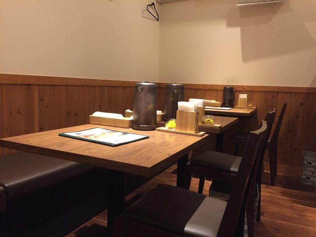 KATSU華 テーブル席
