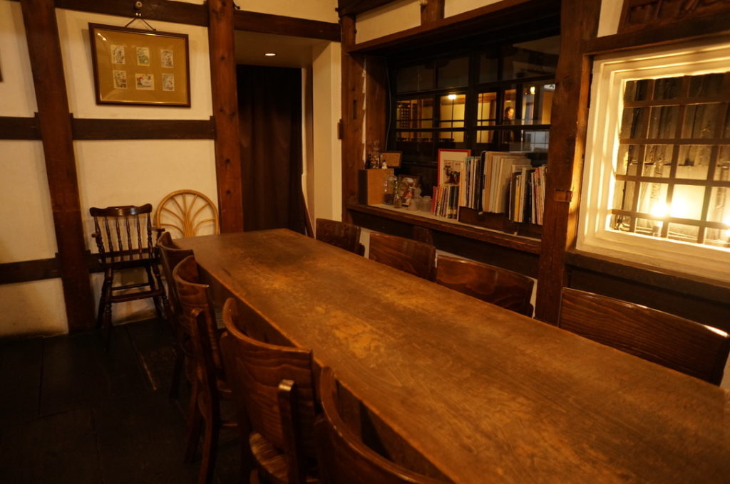 エクチュア 2階 テーブル席