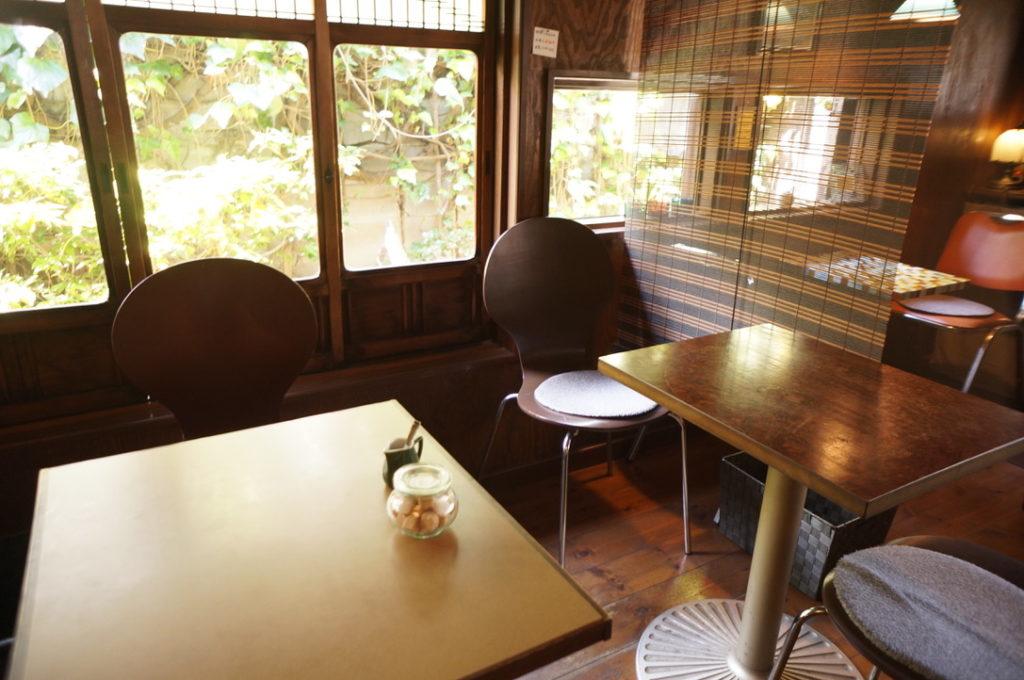 マロニエ テーブル席