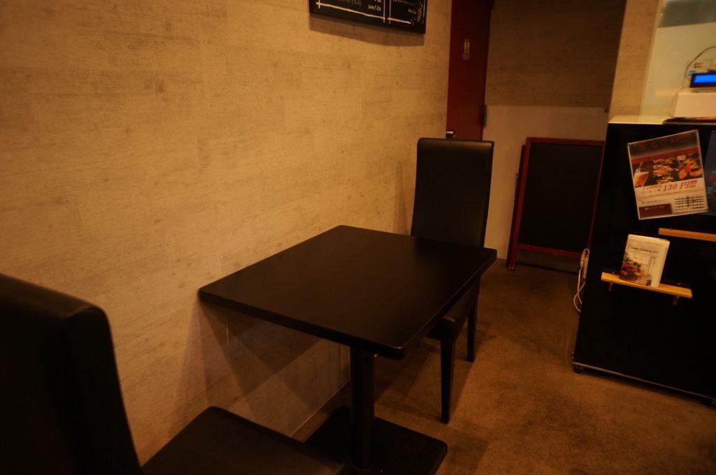 薫 テーブル席