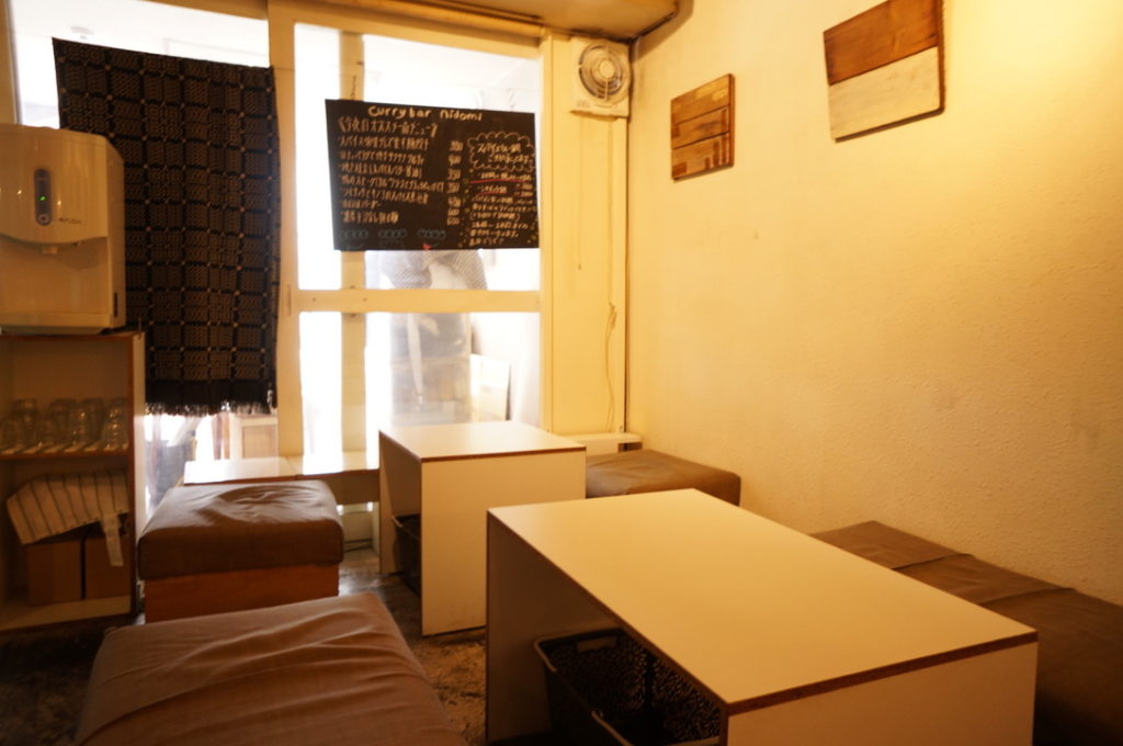 ニドミ テーブル席
