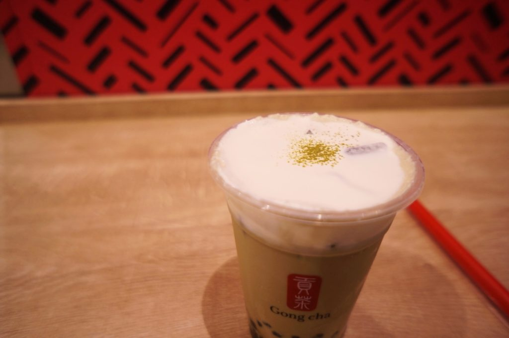 ゴンチャ ほうじ茶ミルクティー(+ミルクフォーム・タピオカ)