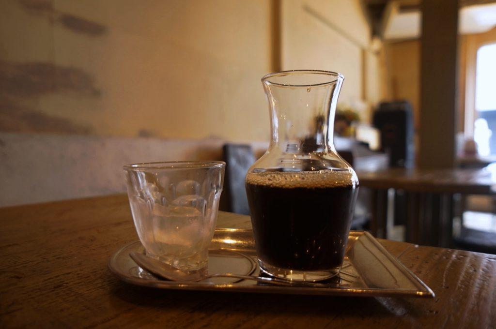 シェ・ドゥーヴル アイスコーヒー