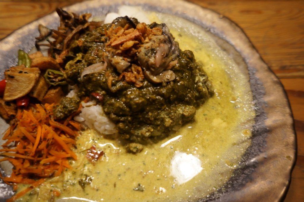 さぼてん食堂 ほうれん草と牡蠣のキーマカレー