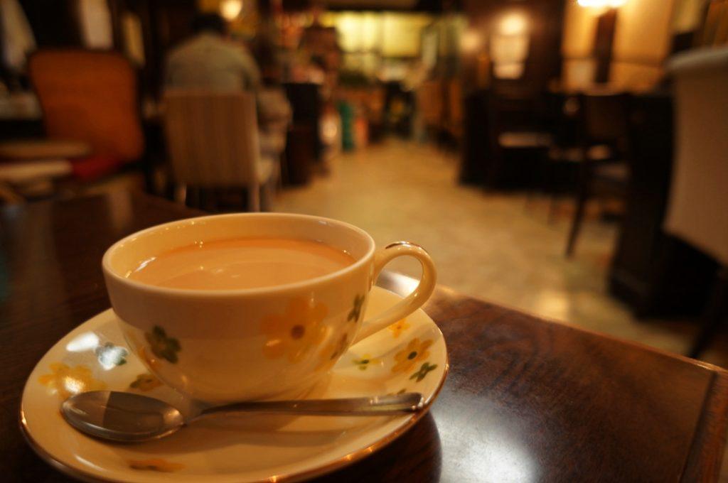 喫茶店 ミルクティー