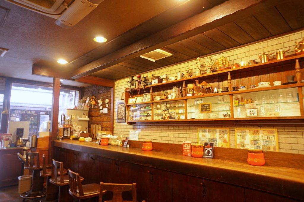 アラビヤコーヒーの店内