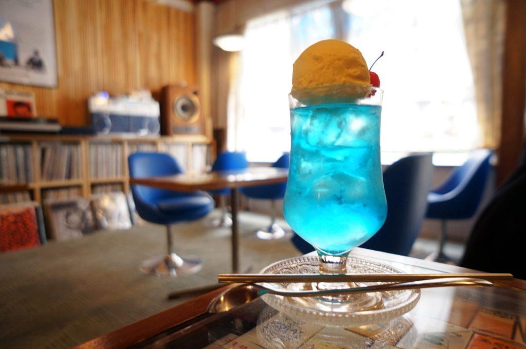 喫茶アオツキのクリームソーダ