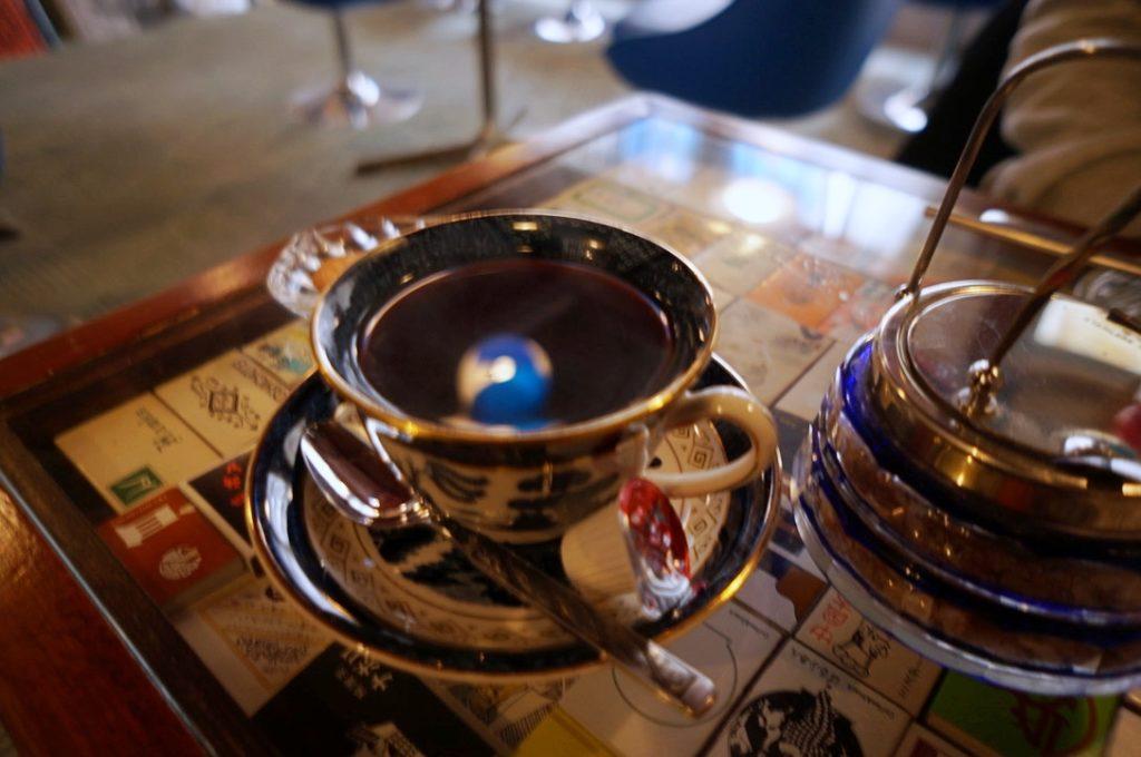 喫茶アオツキのホットコーヒー