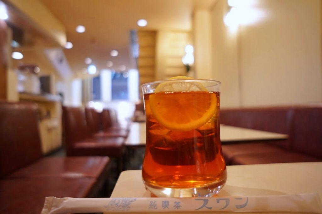 純喫茶スワンのアイスレモンティー