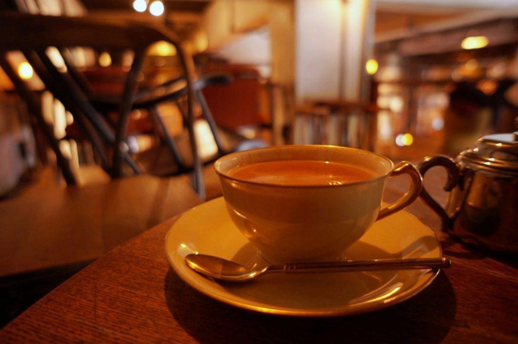 カフェバーネリーのミルクティー