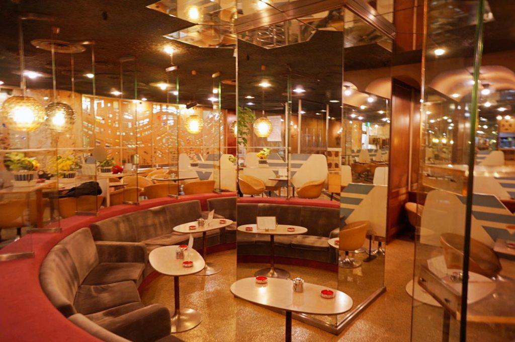 マヅラ喫茶店の店内