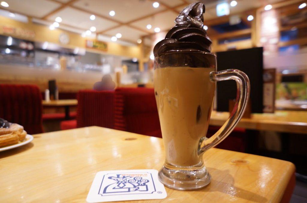 コメダ珈琲店のクリームオーレ