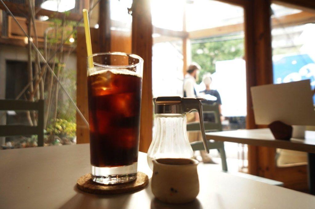 千鳥文化食堂のアイスコーヒー