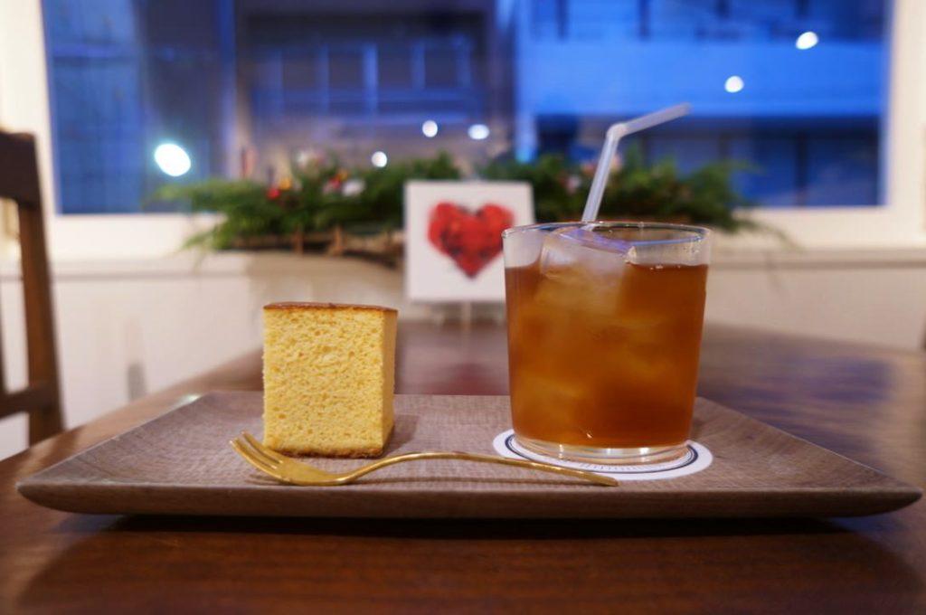 デ・カルネロ・カステのカステラと紅茶