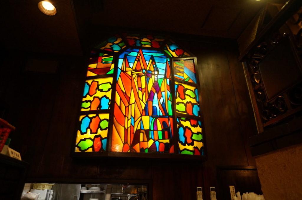 喫茶ビクターのステンドグラス
