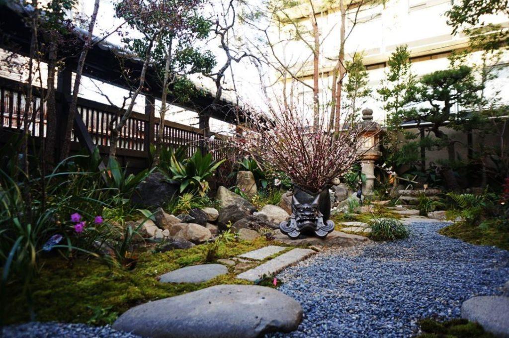 浪芳庵の日本庭園