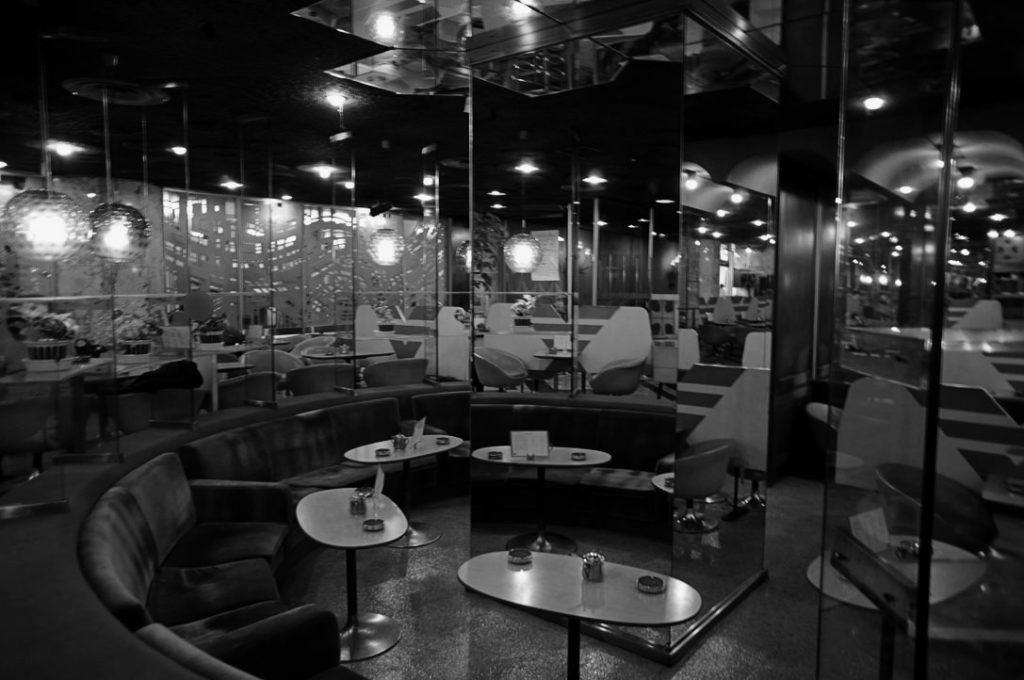 マヅラ喫茶室の店内