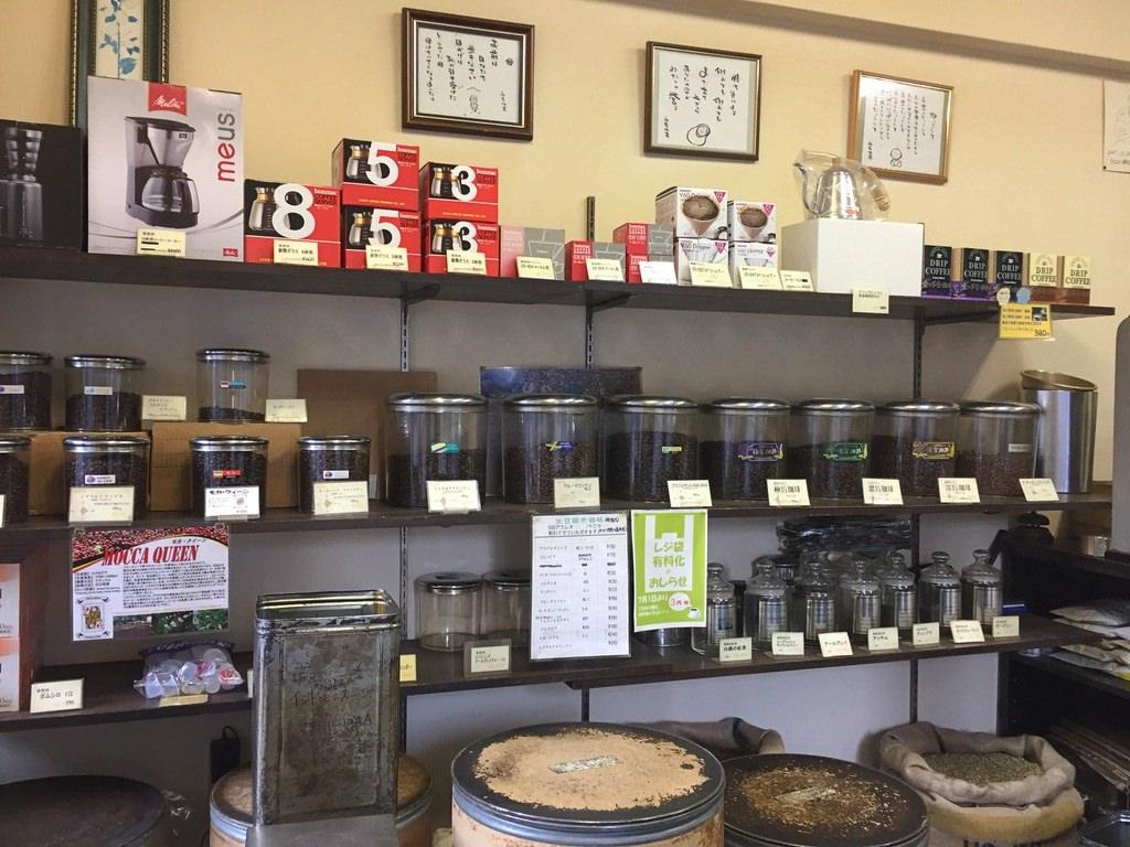 ヤマワキコーヒーの店内
